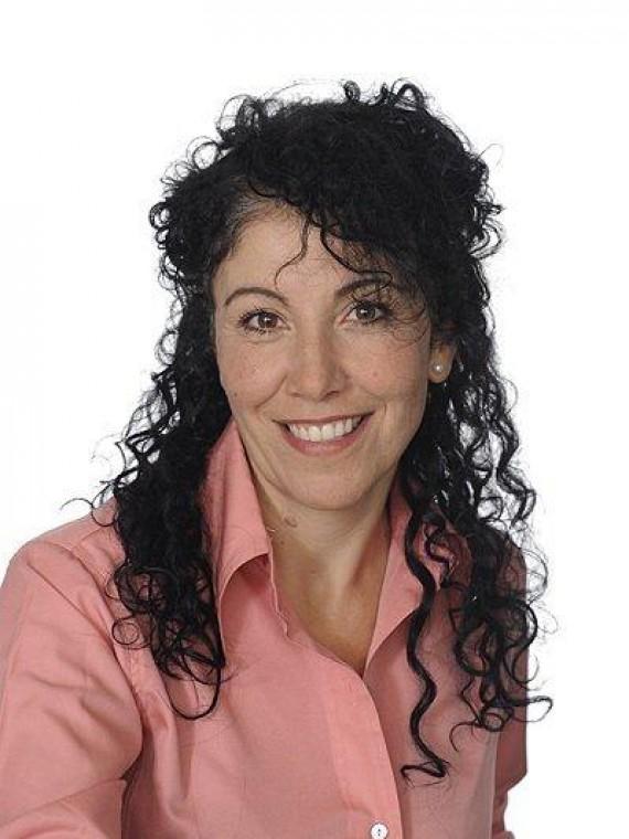 Gloria McArthur, Diversified Health Office Assistant