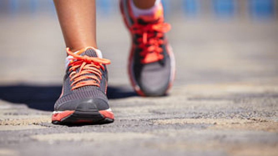 running-shoes_13602015